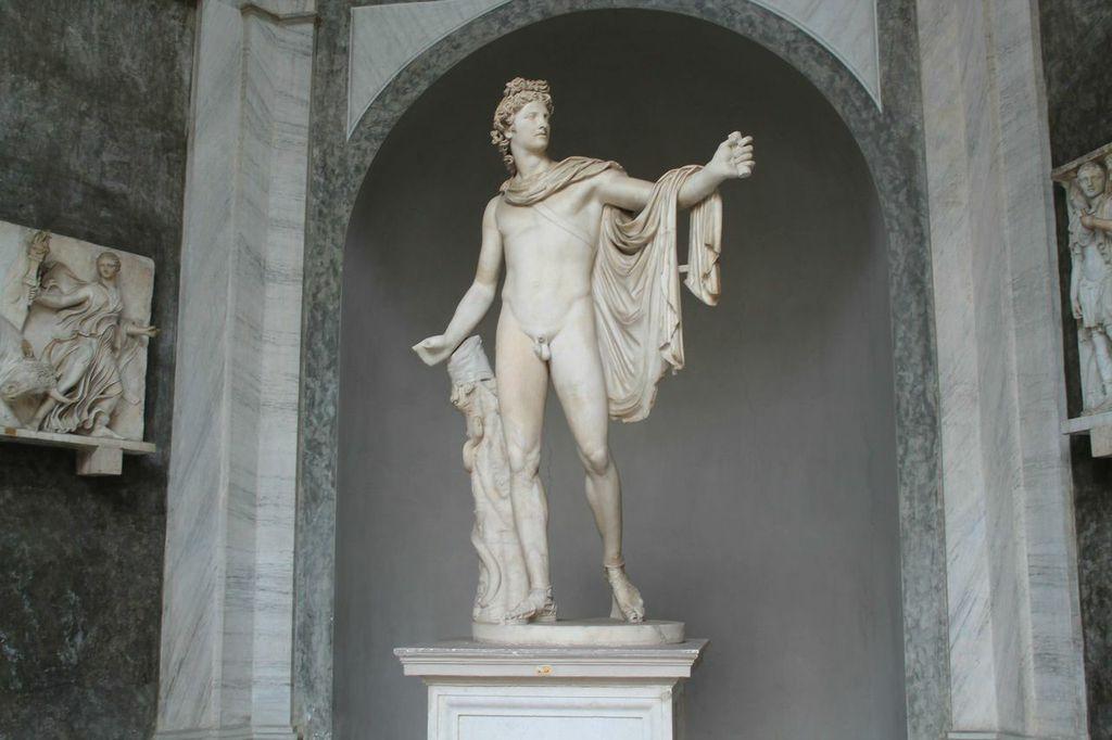 La statua Apollo del Belvedere conservata ai Musei Vaticani