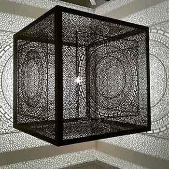 Intersections - Opera di Anila Quayyum Agha