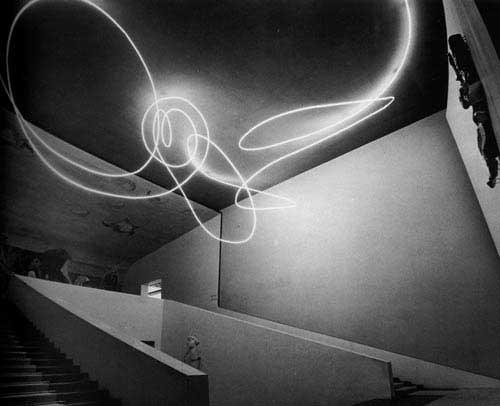 Lucio Fontana - Struttura al neon per la ix triennale di milano 1951