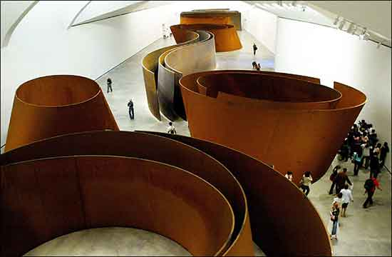 L'opera Torques Ellipses di Richard Serra